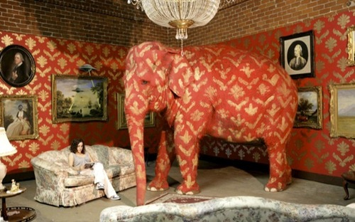 Banksy_Elephant_in_the_room